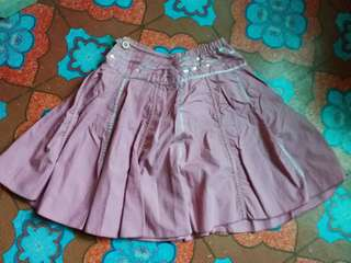SALE! 2 skirts for only 250 pesos