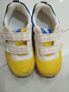 Sepatu H&m goodcont