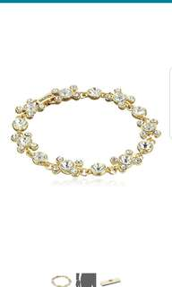 Brand New Napier Boxed Gold Tone & Crystal Circle Bracelet