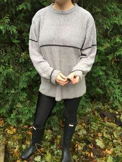 Vintage light grey sweater