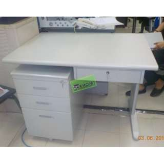 OFFICE TABLE WITH MOBILE PEDESTAL & CENTER DRAWER