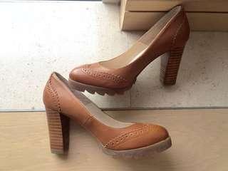 BeLLE Leather heels