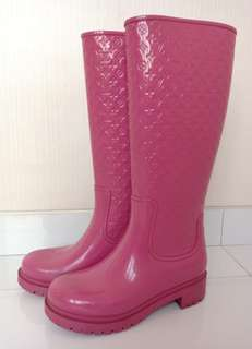 Preloved Authentic LV Boots Pink Waterproof Size 36