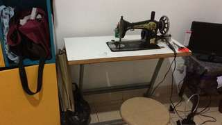 Mesin jahit butterfly,lengkap meja dan dinamo