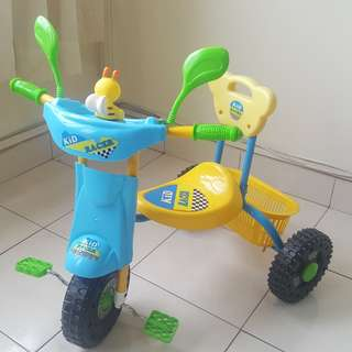Kid bicycle basikal 3 wheels