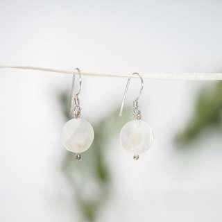 Mother of Pearl earrings 純銀耳環