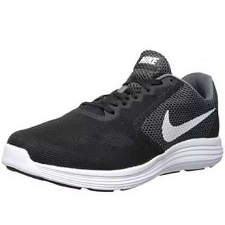 brand new authentic NIKE REVOLUTION 3 size US 7.5 EUR 40.5