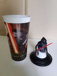 Star Wars Kylo Ren cup topper figurine and cup