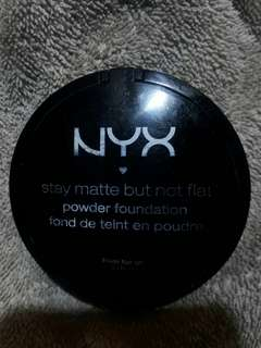 NYX Stay Matte But Not Flat Powder Foundation (SMP10 Caramel)