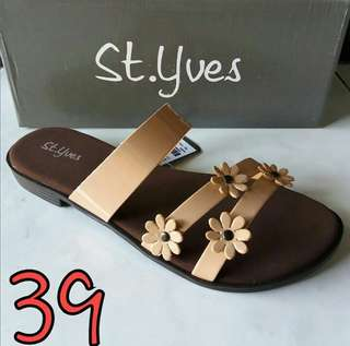 St. Yves size 39 New