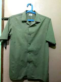 UNIQLO Open Collar Short Sleeve Shirt (Green/olive green)
