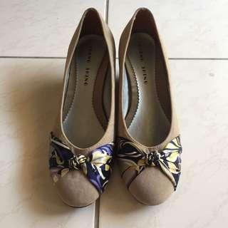 絲巾蝴蝶結造型楔型鞋 灰 仿麂皮