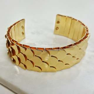 Gold fish scale bracelet