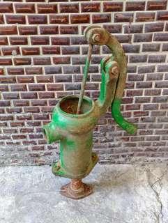 手動汲水器—古物舊貨、早期民俗用品收藏