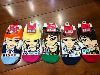 🚚 韓國購入全新防彈少年團襪子(約20公分)一組五雙