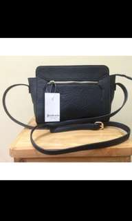 tas sling bag stradivarius Big sale