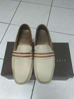 Sepatu pria Pedro