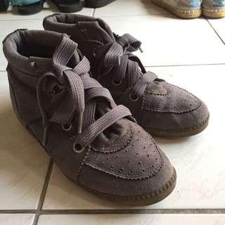灰仿麂皮綁帶休閒鞋
