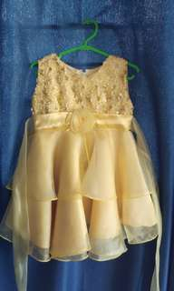 Yellow gold gown