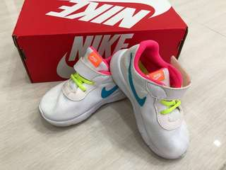 Girls Nike White Shoes size7C