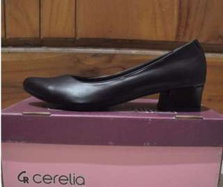 SALE NEW Heels Black