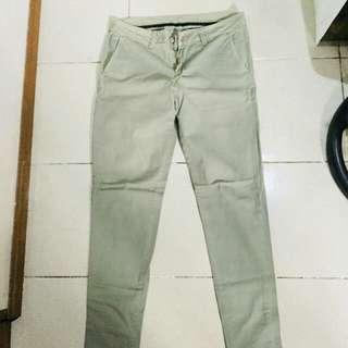 kaki pants army green