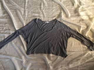 Forever 21 Loose Gray Long Sleeve Crop Top