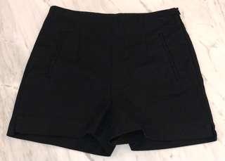 ZARA BASIC Black High-Waisted Shorts