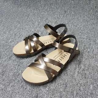 🚚 MIT羅馬交叉環帶魔鬼氈涼鞋(三色)