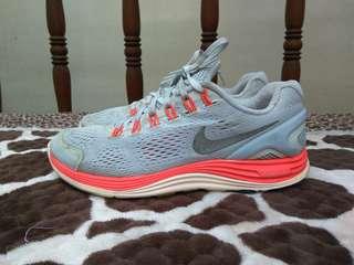 Nike Lunar Glide H2O no adidas vans asics new balance converse asics
