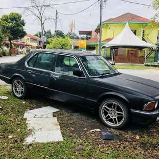 Bmw e23 7series with Rb20det manual engine