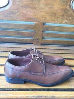 Sepatu Pier One Lace-up Brown