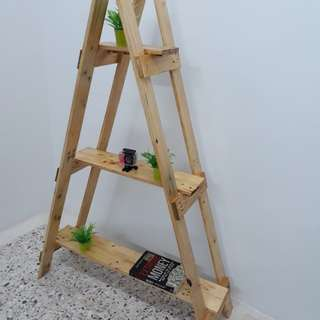 Pallet wood stand