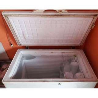 Freezer frigigate type f200 kapasitas 200 liter - bekas
