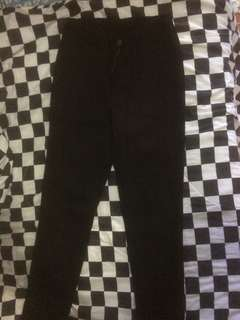 jeans hitam highwaist