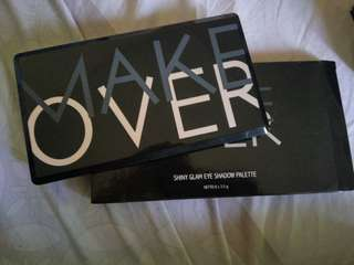 MAKEOVER SHINY GLAM SHADOW PALETTE