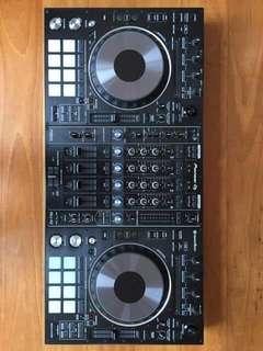 Pioneer DJ DDJ-RZ Controller