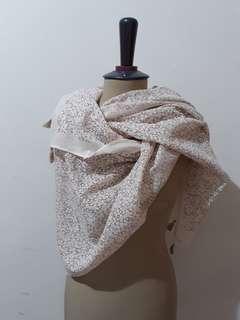 Gina scarf creme