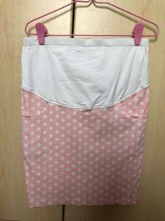 Maternity skirt with adjustable waist band