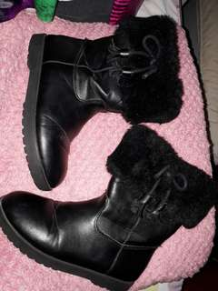 H&M Black Boots with Fur