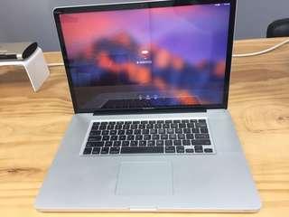 MacBook Pro 2011 (17 inch)⋯⋯Good Condition!靚仔絕版