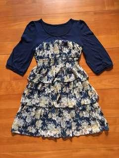 深藍花花連身裙