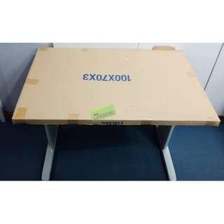 FST-OFFICE TABLE-01 100X70 LIGHT GRAY--KHOMI