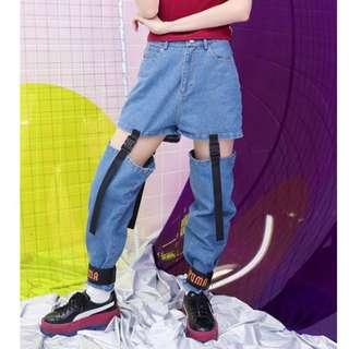 🚚 【黑店】原創設計兩穿式織帶插扣寬鬆牛仔褲 男友風寬鬆牛仔褲 顯瘦顯腿長歐美鏤空設計牛仔褲