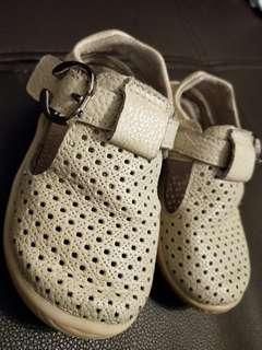 🚚 《🚫免運費》SDiK真皮寶寶涼鞋23號