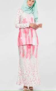 Aleana Mini Modern Kurung in pink