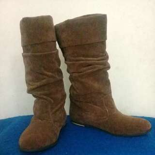 High Boots Velvet Brown