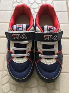 FILA sports shoe for children