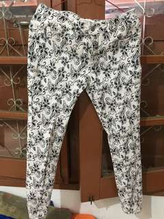 flowers white and white jeans putih motif