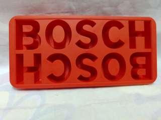 絕版全新 BOSCH 紅色矽膠製冰模 1 件